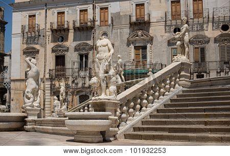 Fontana Pretoria In Piazza Pretoria In Palermo, Sicily.