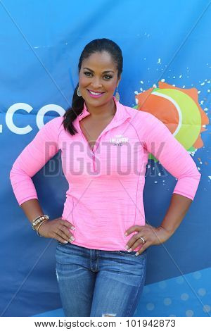 Former boxing champion Laila Ali hosts youth tennis exhibition at US Open 2015