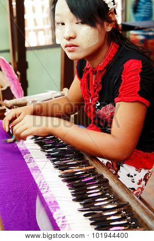 Burmese Weaving
