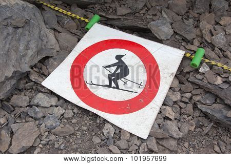 No Ski Sign