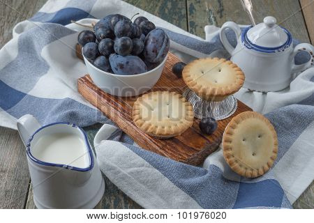 Small Cakes With Berries