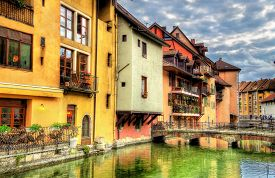 pic of annecy  - View of the old town of Annecy  - JPG
