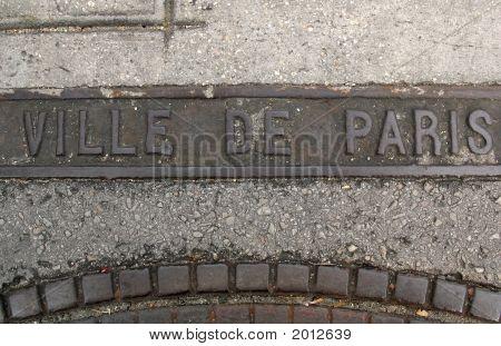 Ville De Paris Manhole Cover