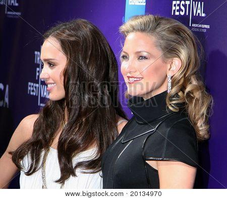 NEW YORK - APRIL 27: Jessica Alba and Kate Hudson attend