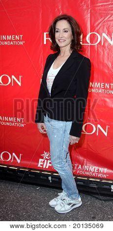 NUEVA YORK - el 1 de mayo: Filántropo Lilly Tartikoff asiste a la XIII Fou de industria anual de entretenimiento