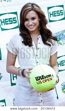 FLUSHING, NY - AUGUST 28: Singer Demi Lovato attends Arthur Ashe Kids' Day at the Billie Jean King National Tennis Center on August 28, 2010 in Flushing, New York.