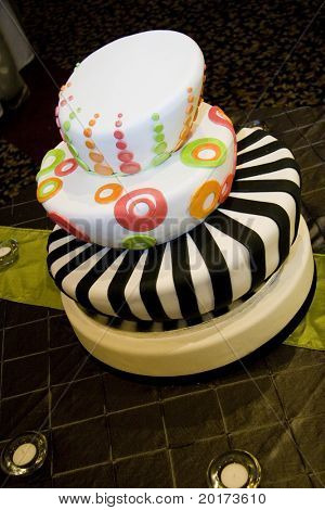 funky retro wedding cake