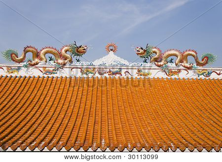 twin dragon on the roof