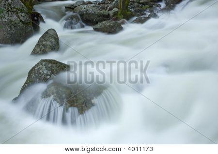 Bridalveil Falls Cascade