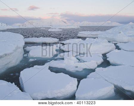 Arktische Winterlandschaft