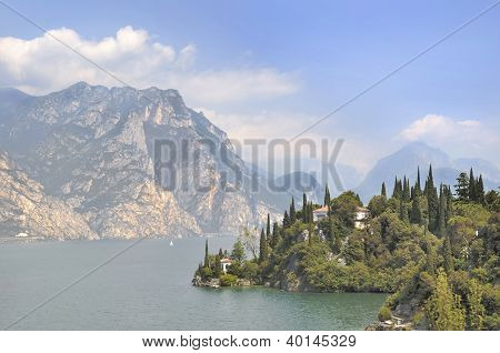 Villa On The Shores Of Lake Garda