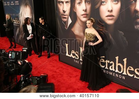 NEW YORK-NOV 18: Actress Amanda Seyfried attends the premiere of