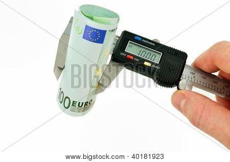 Measuring Euro Banknotes With Vernier Caliper