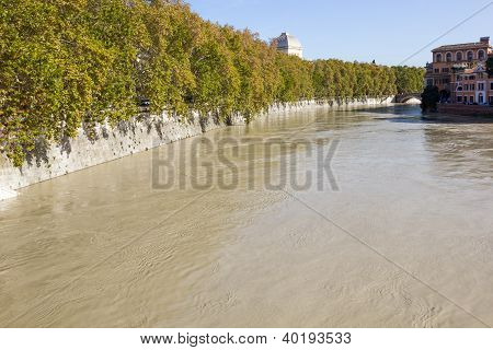 Banks Of The Tiber River, Rome, Italy