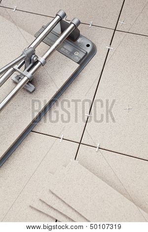 Device For Cutting Of Ceramic Granite Lying On The Floor
