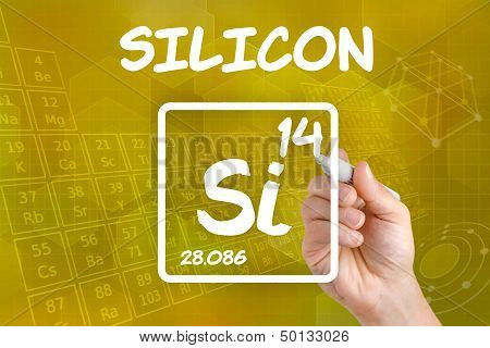 Hand drawing the symbol for the chemical element silicon