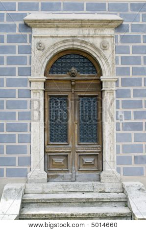 Todi Porta