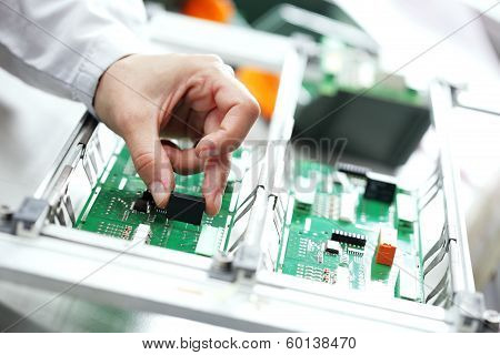 Electronic Component Assembly
