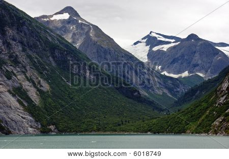 Alaskan Peaks And Valleys