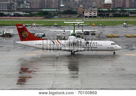 Transasia Airways Atr 72-200 Aircraft Crashed