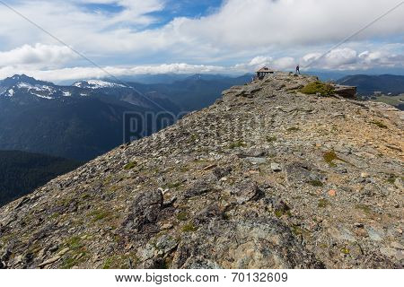 A view of the Cascade mountain range beyond Mt. Freemont Lookout in Mt. Rainier National Park, Washi