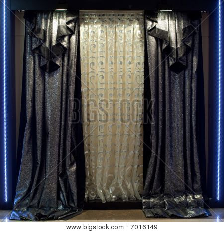 Luxurious Window Curtains