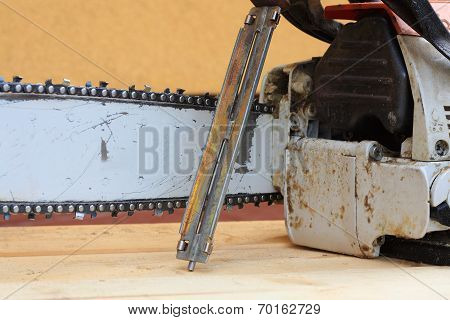 Bar, chain, chain saw and file