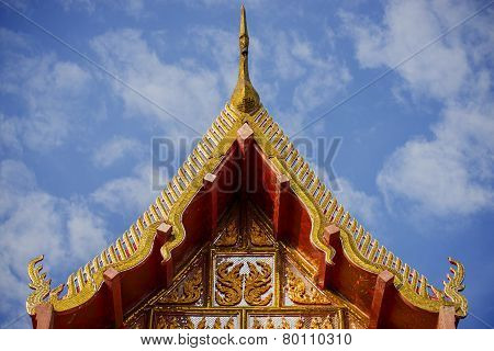 traditional wall carving art thai temple roof