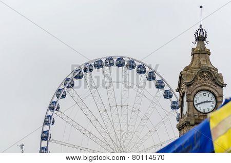 Ferris Wheel, Water Gauge, Dusseldorf