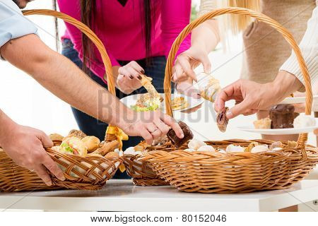 Catering In Wicker Baskets