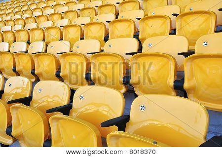 asiento amarillo