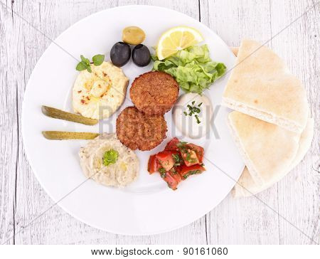 falafel, hummus and pita bread