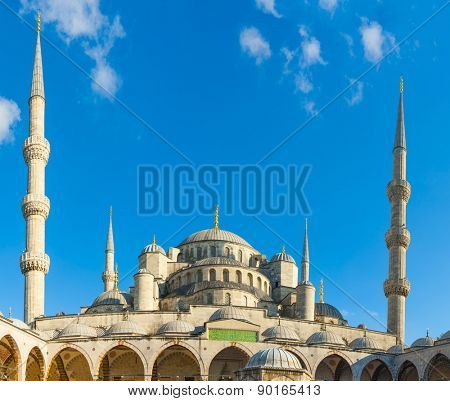 Blue Mosque lit by a morning sun, Istanbul, Turkey