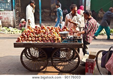 People Sell Apples At Chawri Bazar In Delhi, India