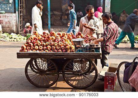 People Sell Apples At Chawri Bazar In Delhi, India