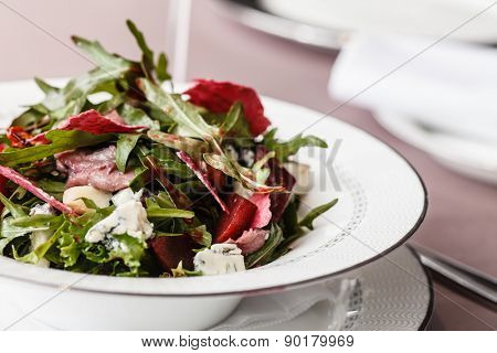 salad with beetroot and arugula