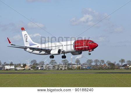 Amsterdam Airport Schiphol - Boeing 737 Of Norwegian Lands