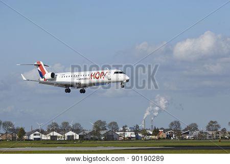 Amsterdam Airport Schiphol - Canadair Crj-700 Of Hop! Lands