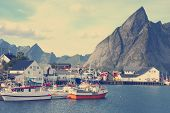 picture of lofoten  - view of Lofoten archipelago bay with the ships - JPG