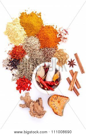 Assorted Of Spices Black Pepper ,white Pepper,fenugreek,cumin ,bay Leaf,cinnamon,thyme,matrimony Vin