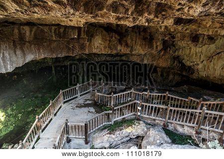 Kaklik Cave In Denizli