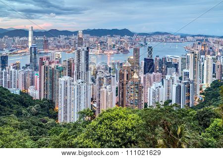 Hong Kong, Sar China - Circa July 2015: Skyline Of Hong Kong From Victoria Peak At  Sunset