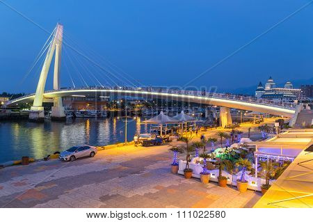 New Taipei City, Taiwan - Circa August 2015: Lover Bridge Of Tamsui In New Taipei City, Taiwan At Su