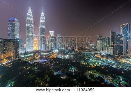 Kuala Lumpur, Malaysia - Circa September 2015: Panorama Of Petronas Twin Towers And Kuala Lumpur Cit