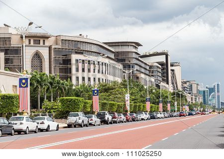 Putrajaya, Malaysia - Circa September 2015: Persiaran Perdana Avenue In Putrajaya,  Malaysia