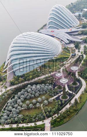 Singapore, Singapore - Circa September 2015: Flower Dome, Cloud Forest And Supertree Grove, Gardens