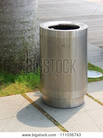 Garbage Bin Of Steel Stainless
