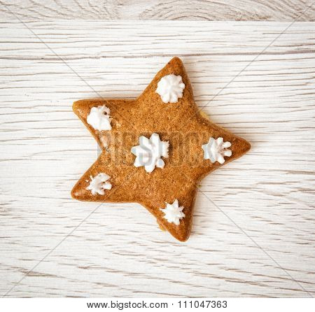 Tasty Gingerbread Star, Christmas Theme, Wooden Background