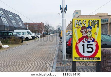 Crossing Children Sign