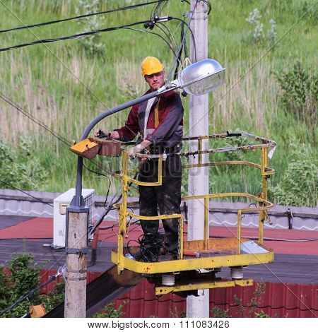 Electricians Managing Basket Aerial Platforms.